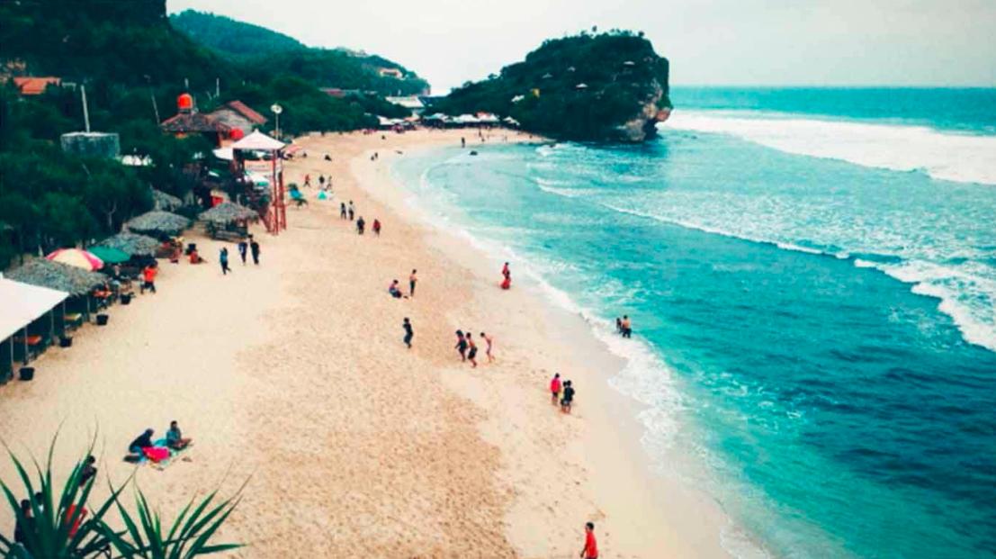 Pantai Pasir Putih Jogja Terdekat Yang Camtik Dan Menawan Blog The Palace Jogja